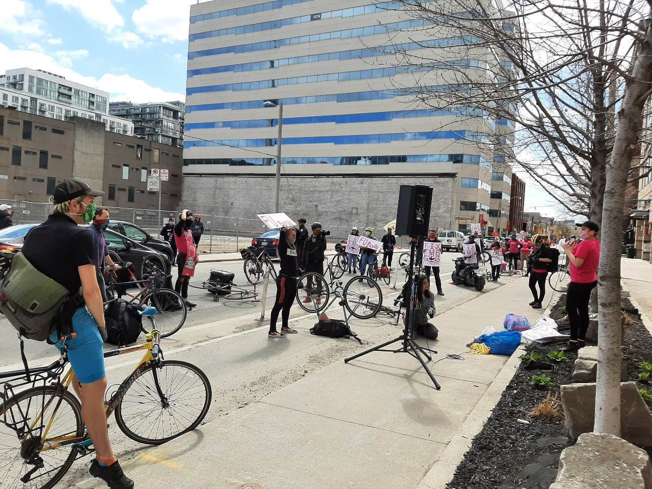 Photo 3: Foodora Couriers and CUPW stage a safe, physically distanced protest at Foodora Canada's headquarters.