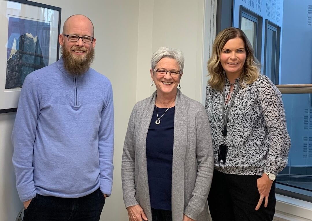 Jane meets with members of the teacher's union, Norway.