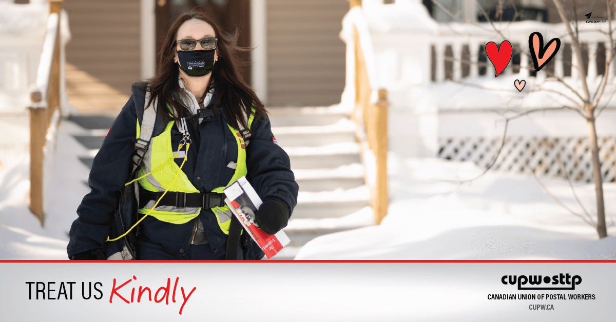 Photo of a CUPW letter carrier in winter clothing walking away from the front of a house.